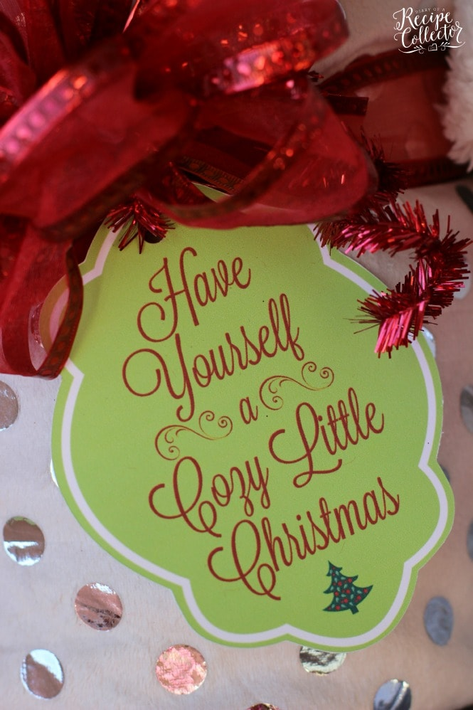 cozy little christmas tag and blanket gift idea perfect gift idea for teachers friends