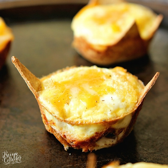 Taco Egg Muffin Cups - A great grab and go breakfast idea that is high in protein and low in carbs.  Plus, it's only 3 freestyle points!