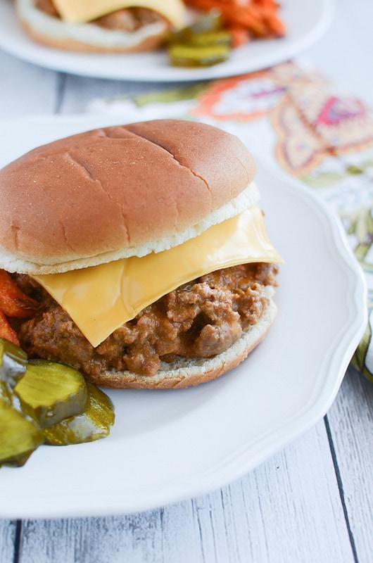 Weekly Family Meal Plan - Crockpot Cheeseburgers