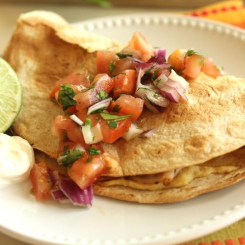 Skinny Crunch Wrap - An easy and light lunch idea garnished with a fresh pico salsa.