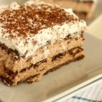 No-Bake Nutella Eclair Cake