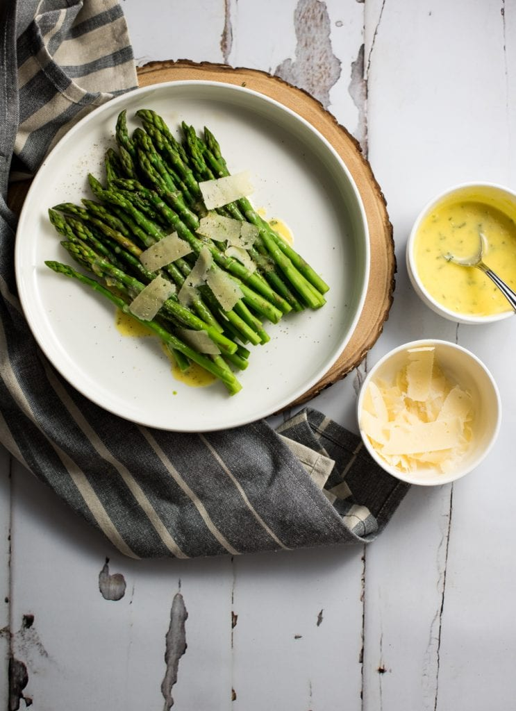 Steamed Asparagus with Ghee Bearnaise Sauces