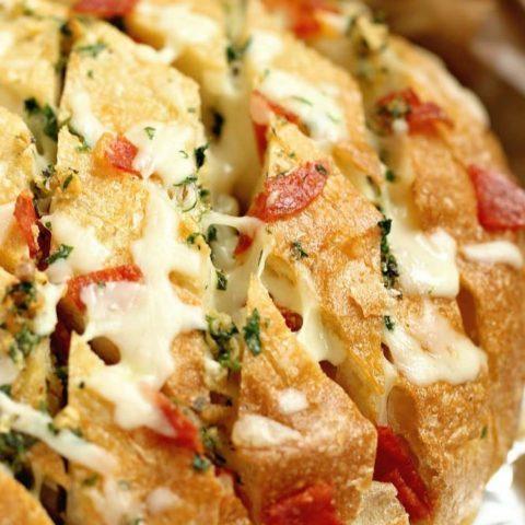 Cheesy Pepperoni Garlic Pull Apart Bread