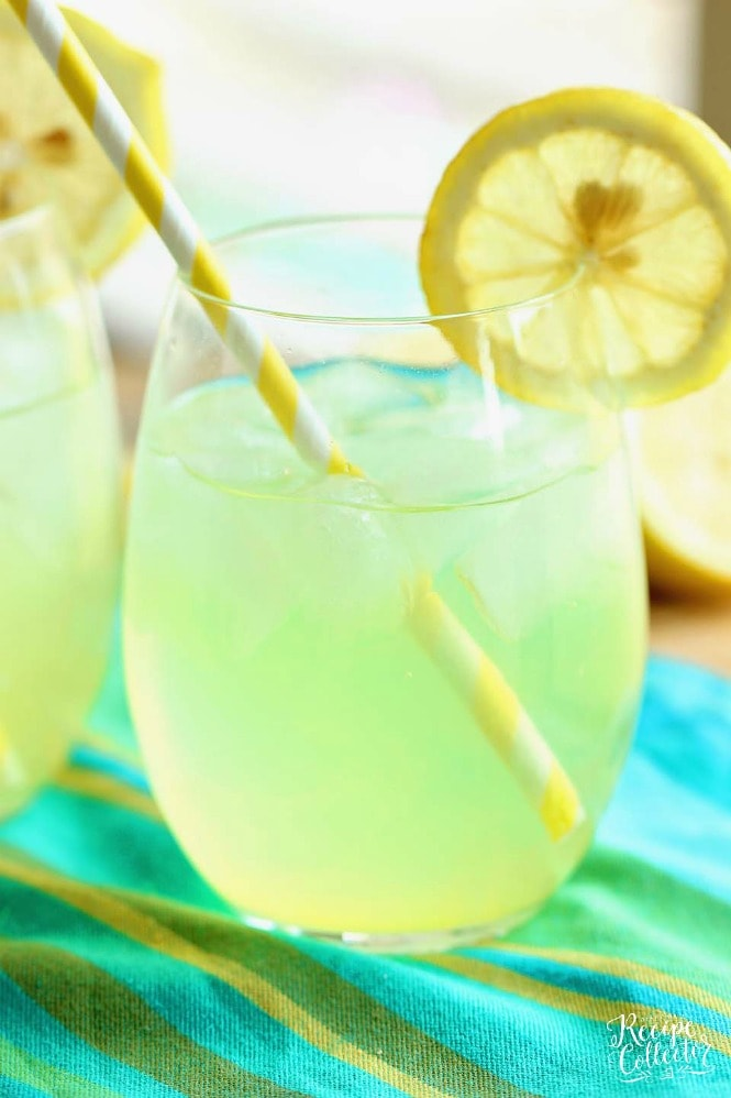Skinny Vodka Lemonade - A perfect cocktail for summer that is lower in calories and perfect for the pool and the beach!