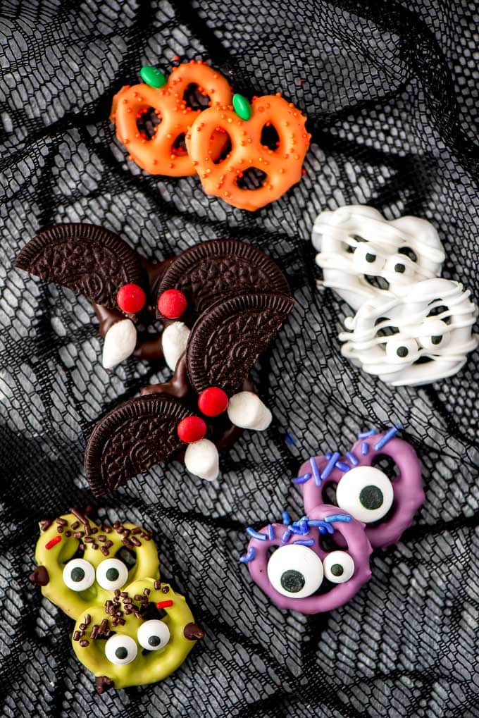 Halloween Chocolate Covered Pretzels