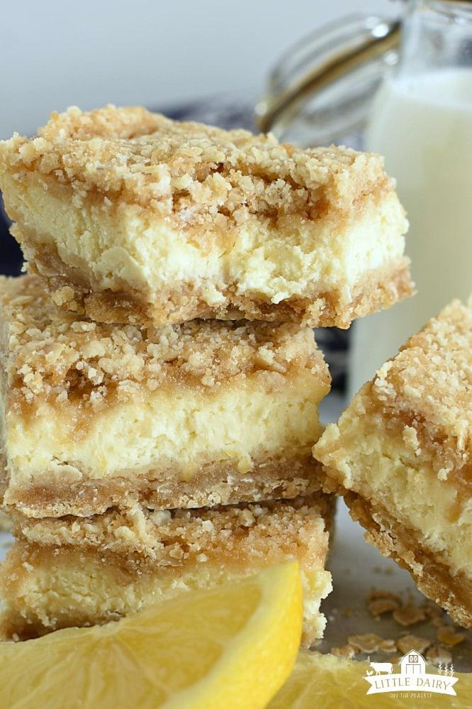 Lemon Cheesecake Crumb Bars