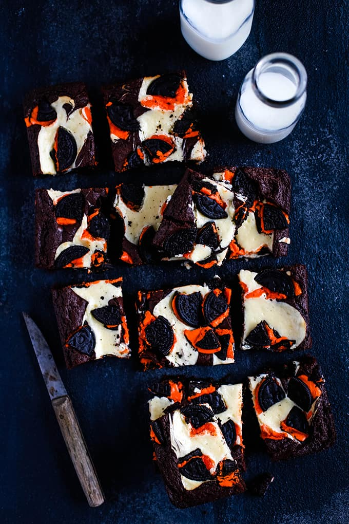 Pumpkin Spice Oreo Cheesecake Brownies