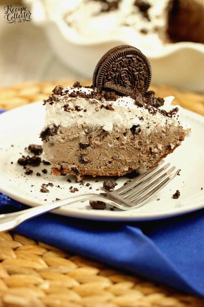 Chocolate Oreo Ice Cream Pie - An easy homemade chocolate oreo ice cream recipe turned into a yummy easy treat!